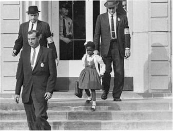US_Marshals_with_Young_Ruby_Bridges_on_School_Steps-