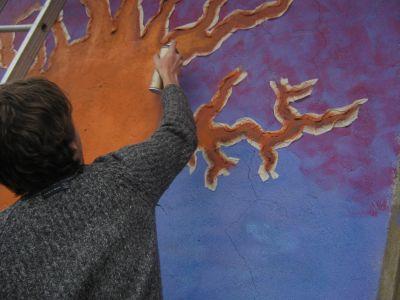 mural pintando--