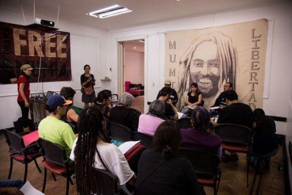 Conferencia de prensa sobre Mumia Abu-Jamal en el77 Centro Cultural Autogestivo Foto: El77 CC BY-NC-SA
